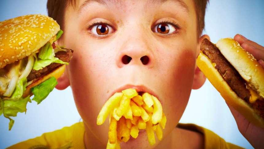 Еда из фаст-фудов снижает интеллект у детей