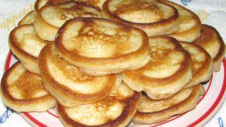 Оладьи на кефире - пошаговый фото рецепт